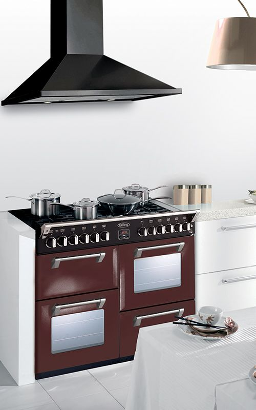 December Dreams is a cocoa brown hued multi-cavity range cooker, available in both gas and induction. Its colour allows you to pour in your style in your kitchen. Brown appliances have found their match!