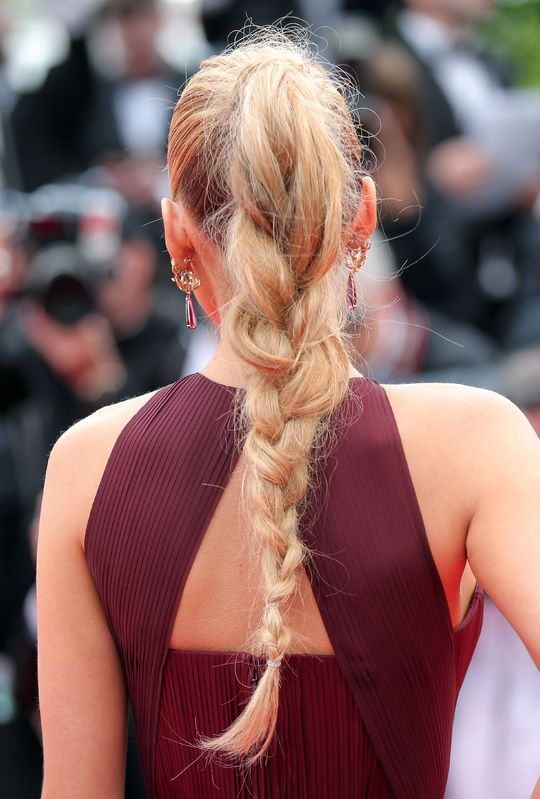 Detail: Blake Lively's ponytail braid