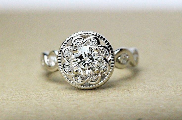 Antique Engagement ring, extra unique design!