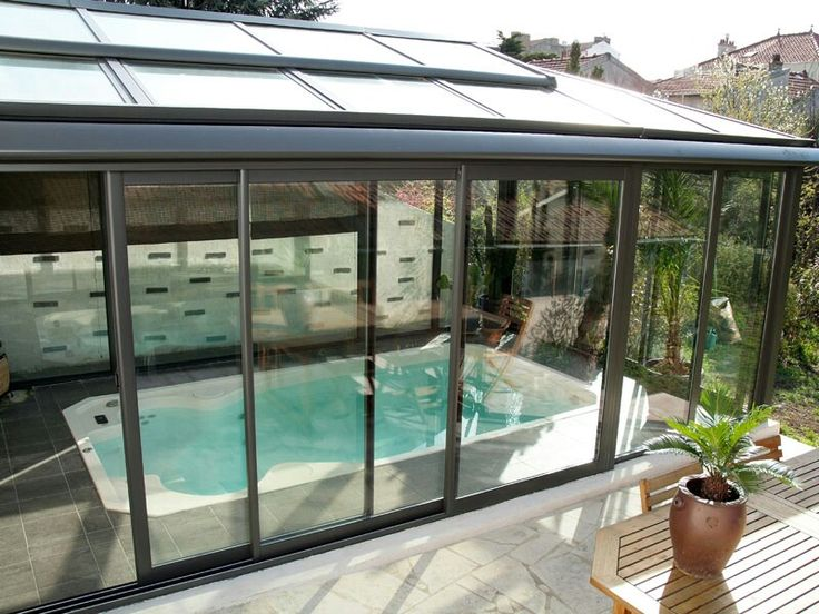 Piscine xs ou spa de nage veranda pour la maison for Piscine researcher