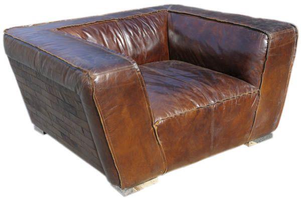 Eksklusiv og meget behagelig skinnstol i vintage leather! Skinnstolen er produsert i en vintage leather og er meget behagelig å sitte i. Den røffe stilen gir sofaen en moderne og eksklusi