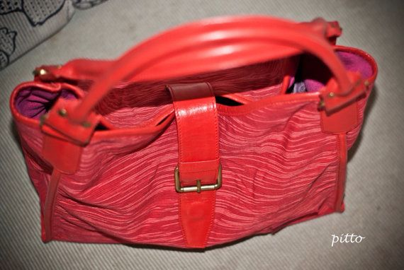 Gendis hobo in red leather and lurik by pitto on Etsy