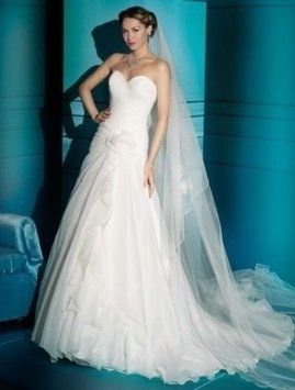 Demetrios Illusions 3166 Wedding Dress 93% off retail $90.00