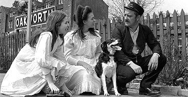 Sally Thomsett, Jenny Agutter and Bernard Cribbins in the 1970 film of The Railway Children - How did E Nesbit come to write The Railway Children?