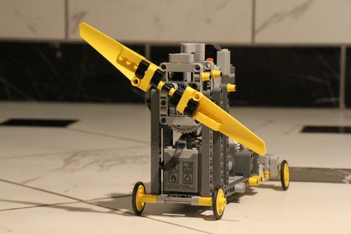 MPC1 -- motorized prop-cart, 1st attempt: A LEGO® creation by Jeremy McCreary. 2-blade combo with 15:1 gear ratio. High-performance