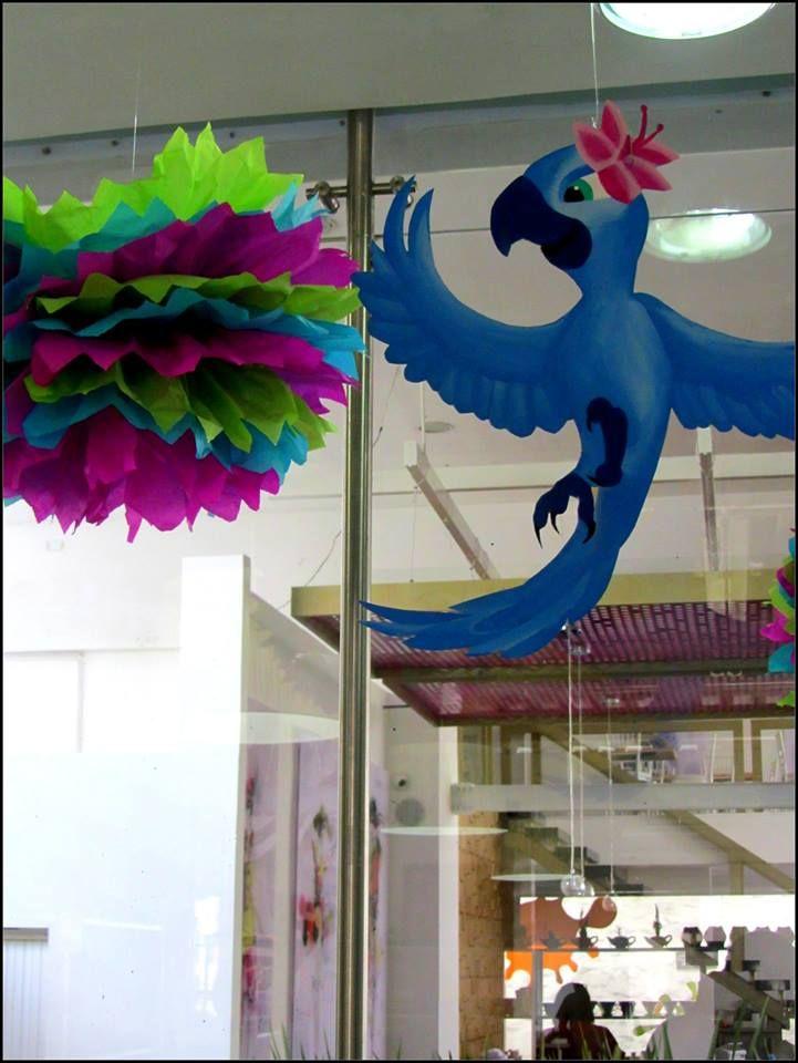 decorating ideas for rio art party. Ideas para fiesta de rio pintando ceramicas de los protagonistas de la pelicula.