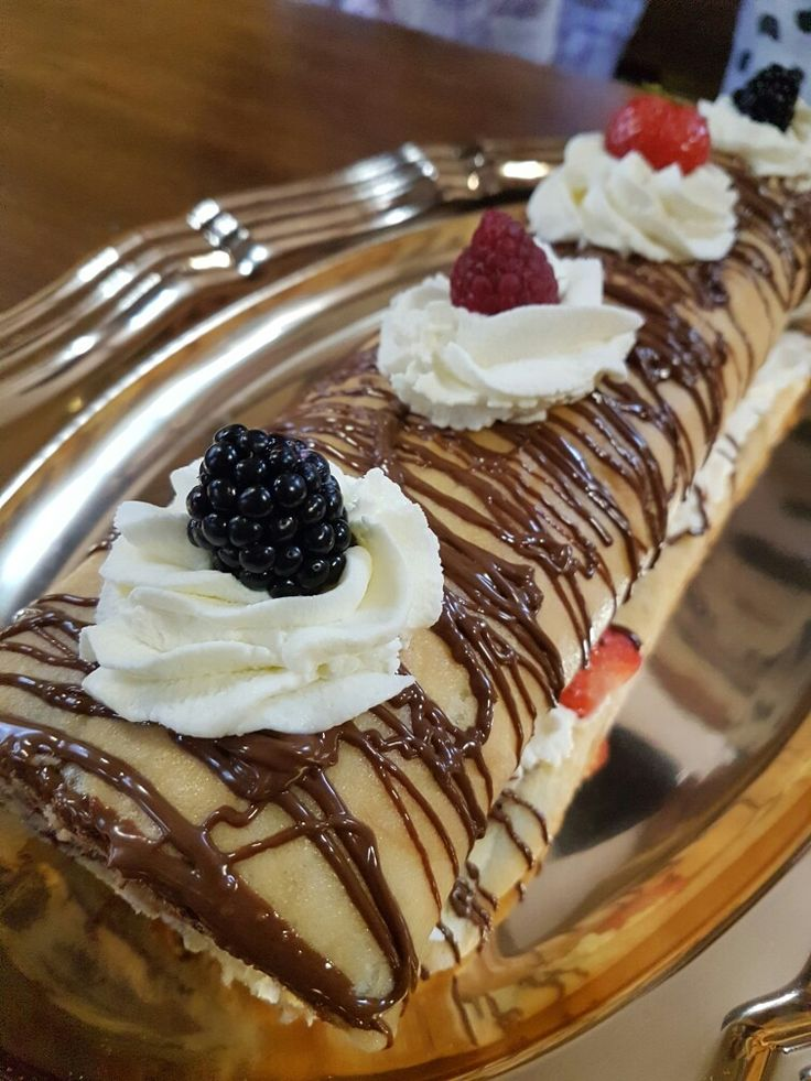 ❤Berry and Nutella Cake roll❤