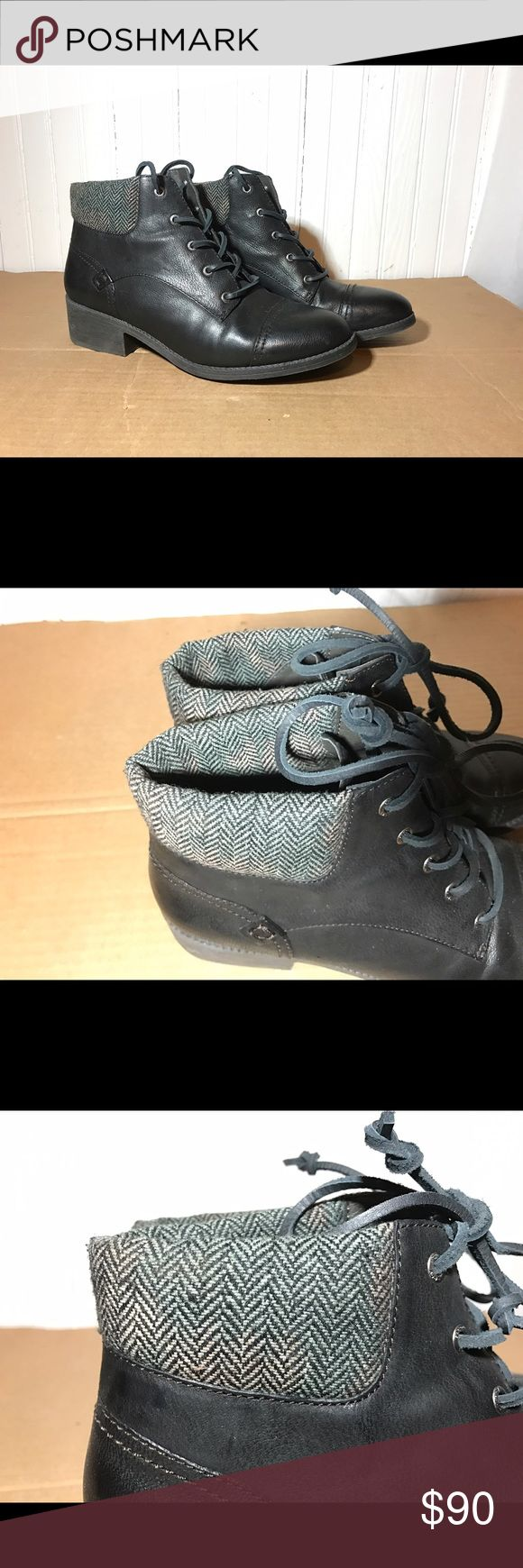 Black Sperry Topsiders Black Sperry women's topsiders, worn once, originally $120 Sperry Shoes Ankle Boots & Booties