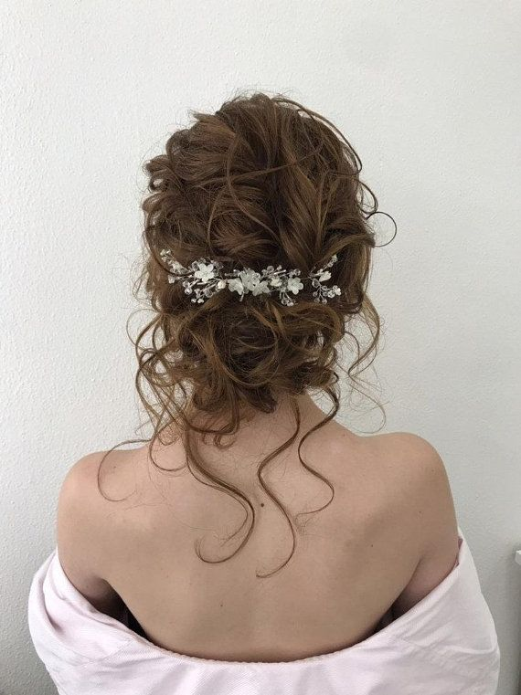 Half Up Half Down Wedding Hairstyles Ideas Volume With Hairpin Nicoledrege Via Instagram Hair Styles Half Up Hair Bridal Hair Vine