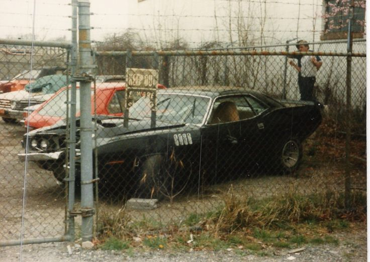 wrecked muscle car pics wanted.