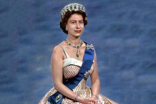 91-летие Елизаветы II: История жизни королевы Великобритании http://oane.ws/2017/04/21/91-letie-elizavety-ii-istoriya-zhizni-korolevy-velikobritanii.html  21 апреля свое 91-летие празднует царствующая королева Великобритании Елизавета II, появившаяся на свет в Лондоне в 1926 году. Елизавета Александра Мария является выходцем из Виндзорской династии и наиболее долго правящим монархом за всю историю Великобритании, ведь ее восхождение на престол произошло 6 февраля 1952 года в возрасте 25 лет…