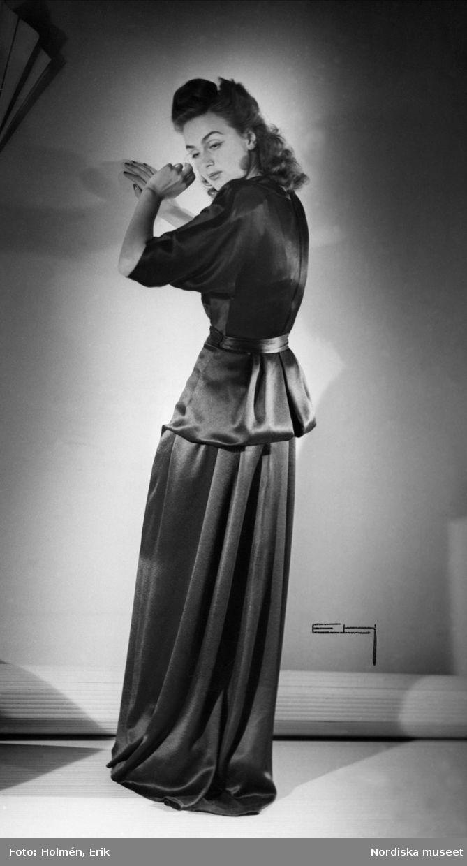 1945. Tvådelad aftonklänning. Foto: Erik Holmén för Nordiska Kompaniet