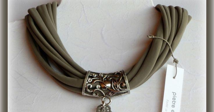 girocollo in lycra color fango/tortora con inserto in argentone e pizzo in macramè con strass swarovski              bracciale in ...