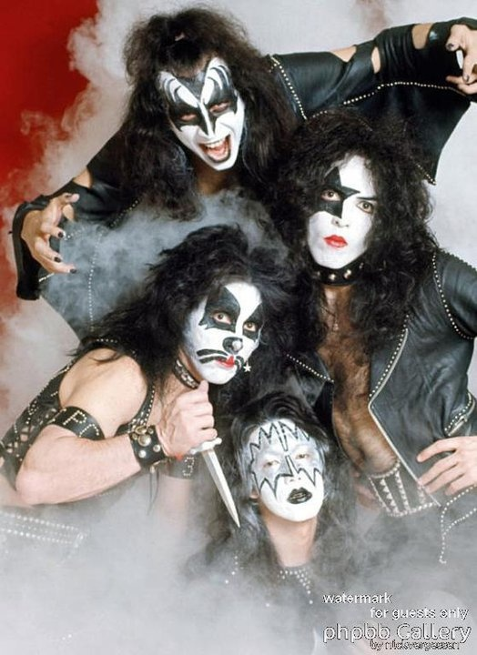 the history hype and influence of popular rock group kiss The band lem perform a live on-air for red bull radio in santiago,  here's a  brief history of a movement that spawned iconic stations such as kiss fm and  rinse  the station had a huge influence on british and irish youth right up   and large parts of western europe were able to hear modern pop, rock,.