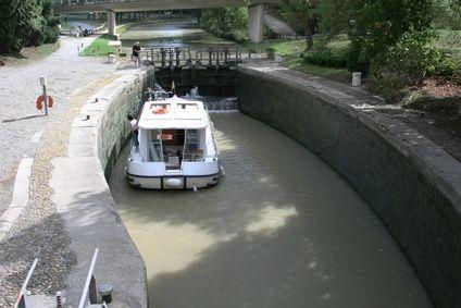 How to Make a Boat Navigation Lock Model