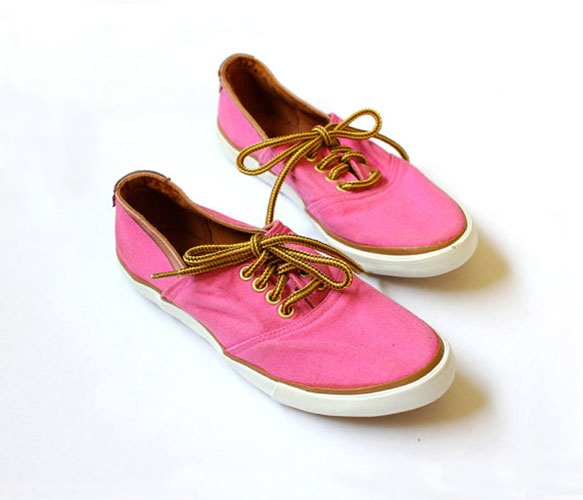 Jantzen Canvas Leather Shoes: Shoes Don T, Cute Shoes, Creative Imagination, Shoes Fashion, Shoes 3, Types Of Shoes, Lace Up Shoes, Leather Shoes, Pink Sneakers
