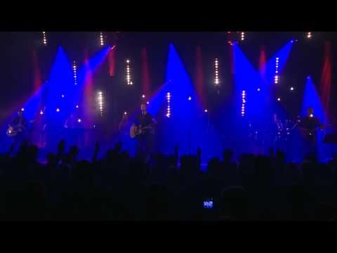 """""""Alléluia"""" est l'un des titres du 3ème album live de Dan Luiten. Album enregistré le 22 juin 2012 à l'Église Nouvelle Vie (Canada). Équipe de musiciens : Dan..."""
