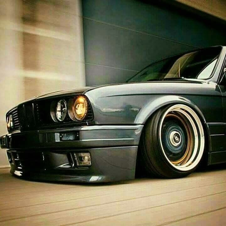 409 best images about out in the garage on pinterest for Garage bmw 77