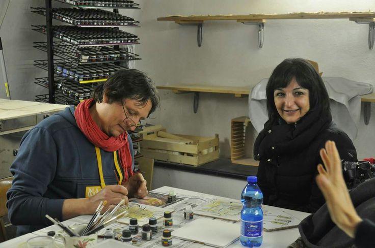 Lavorazione ceramica nel laboratorio della Badalucco art gallery