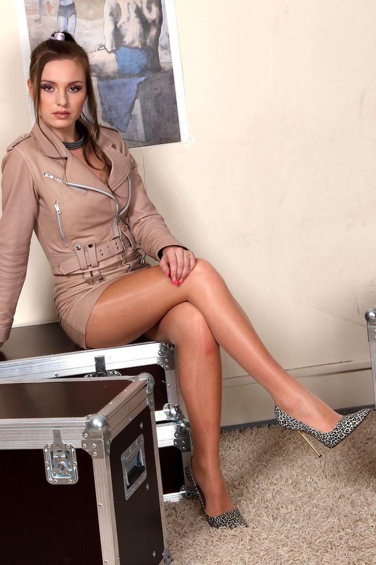 Pin on Pantyhose women 4