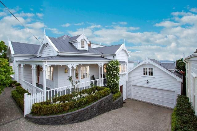 Villa Auckland - love the all white