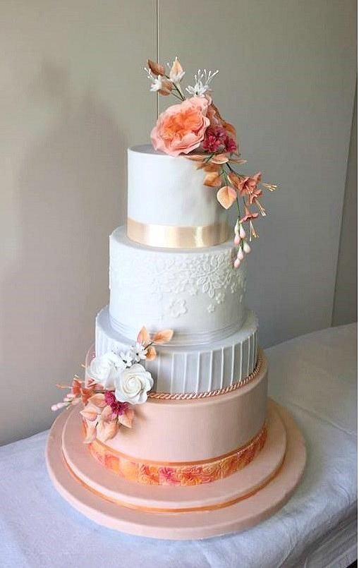 Wedding in apricot by Frufi - http://cakesdecor.com/cakes/282765-wedding-in-apricot