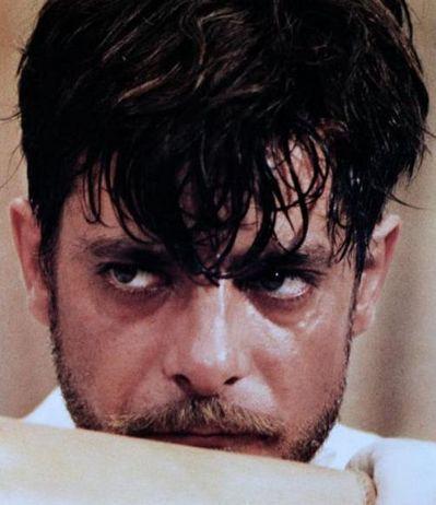 """Giancarlo Giannini sul set del film """"L'Innocente"""" di Luchino Visconti -"""