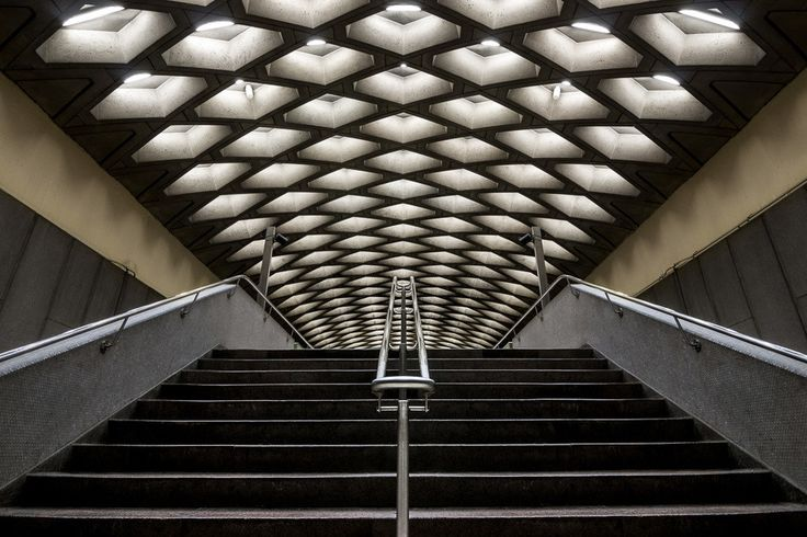 Gallery - Photographer Chris Forsyth on the Montreal Metro, Going Underground, and Overlooked Architecture - 5