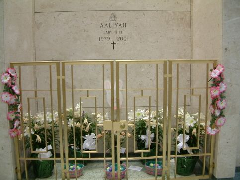 Aaliyah gravesite