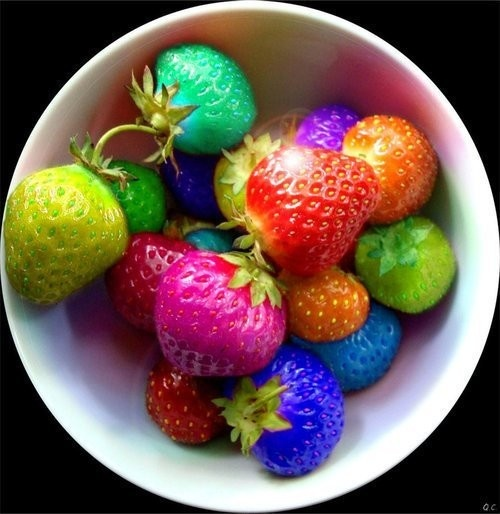 .: Color Strawberries, Fruit, Rainbows Strawberries, Color Food, Parties Appetizers, Food And Drinks, Corgi, Inspiration Pictures, Bowls