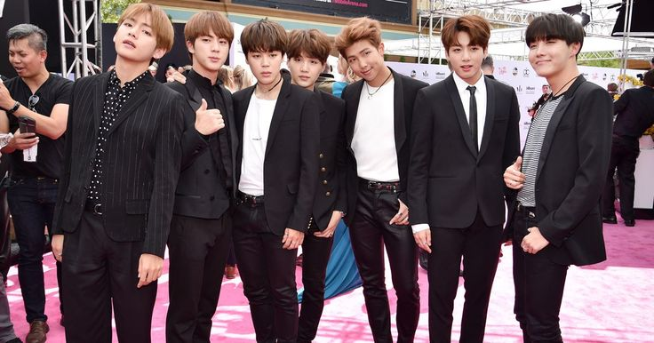 BTS Is the Best Dressed Boy Band at the Billboard Music Awards <--- even Vogue gave them a nod for their awesomeness ^^<<< BTS is the best boy band at the bbmas