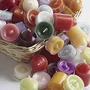 PartyLiten tuikkivia, miedoilla tuoksuilla esim. suurin osa vihreistä kynttilöistä ja vaniljan tuoksuiset
