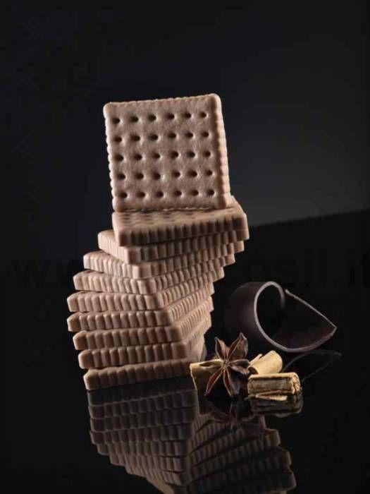 mold to create #chocolates shaped cookie www.decosil.eu -  stampo per creare cioccolatini a forma di biscotto www.decosil.it - Moules à #chocolat pour créer des formes de biscuits www.decosil.fr
