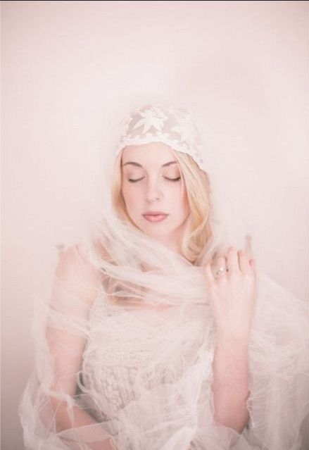 The long veil can cover your shoulder like a scarf, so elegant!!