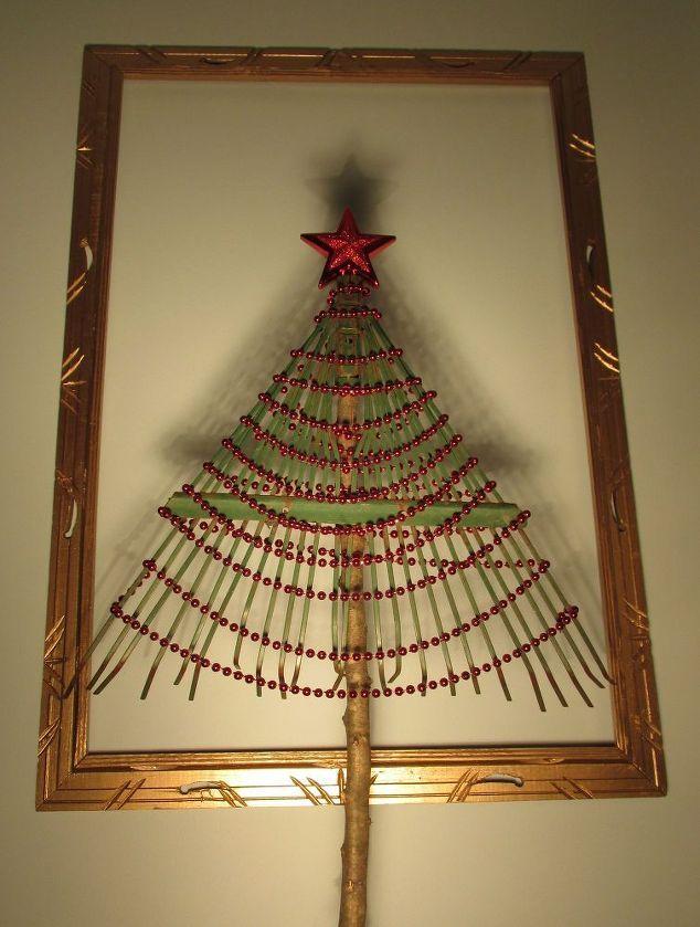 Make A Christmas Tree From A Rake Christmas Gift Decorations Alternative Christmas Tree Pallet Wood Christmas Tree