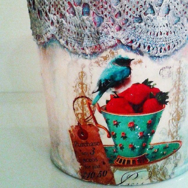 pizzi goffre technique! #vintage #lace #pizzi #cup #decor #decoupage #painting #art #crafts #skg #thessaloniki #artist #drawing #drawings #bird #paintings #watercolor #oilcolor #ink #creative #sketch #sketchaday #pencil #arte #dibujo #artwork #Art2Art #color #colour #tagstagramers