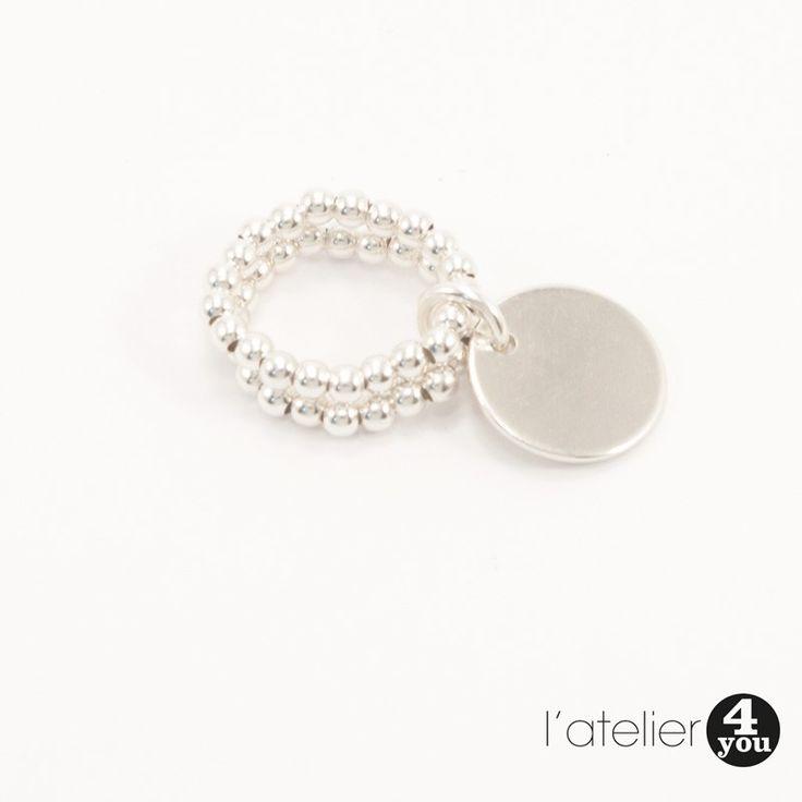 Bague perles et médaille argent 925. #bijoux #argent #argent925 #bracelet #collier #jonc #médaille #soie #perles #bague #toulouse #31 #foryou #4you #4you #cadeau #tendance #mode #femme #faitmain #surmesure Vous souhaitez en savoir plus : visitez le site de l'Atelier 4 You ! http://latelier4you.com/