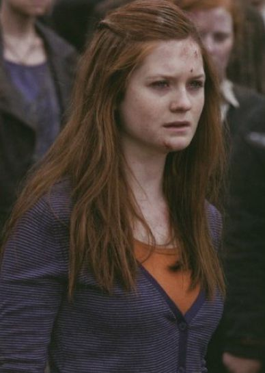 Ginny Weasley in HP and the DH part 2.                                                                                                                                                     Mais                                                                                                                                                     More