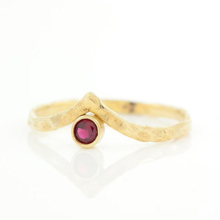 V BIRTHSTONE RING