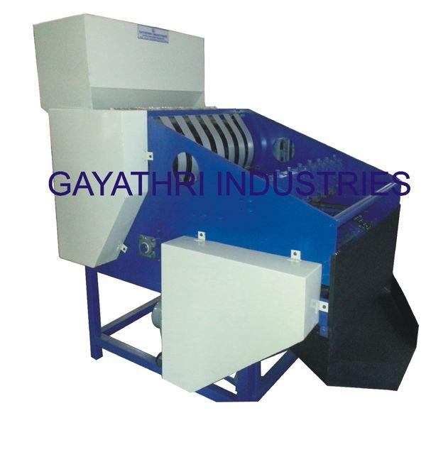 Semi Automatic Shelling Machine   http://www.cashewmachine.in/cashew-nut-shelling-system.html