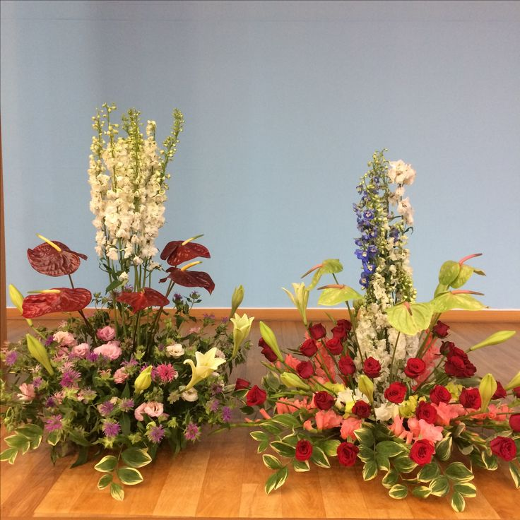 2017.6.25. This week's church flower decoration. Lilies and red roses.