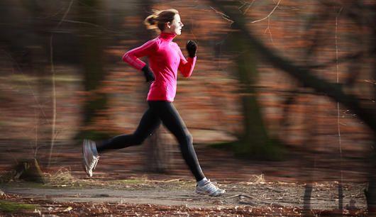 Laufen im Herbst: So joggen Sie garantiert durch Herbst und Winter