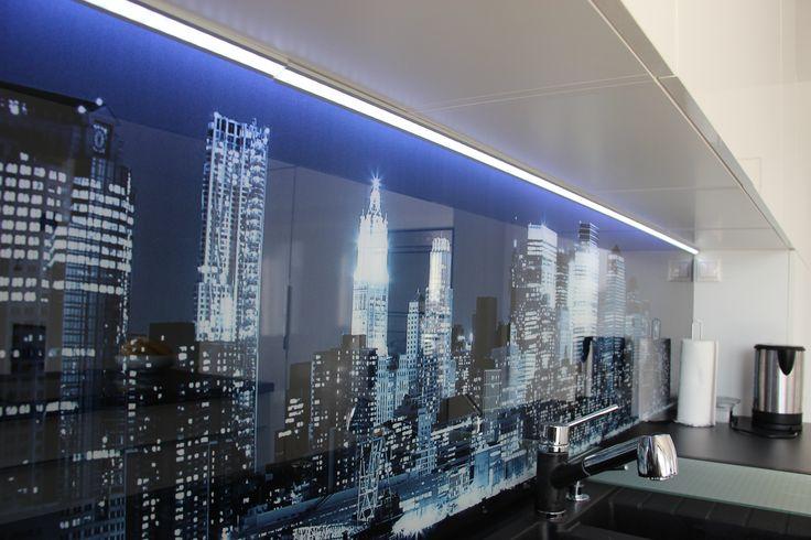 sklenená zástena s fototapetou/kitchen
