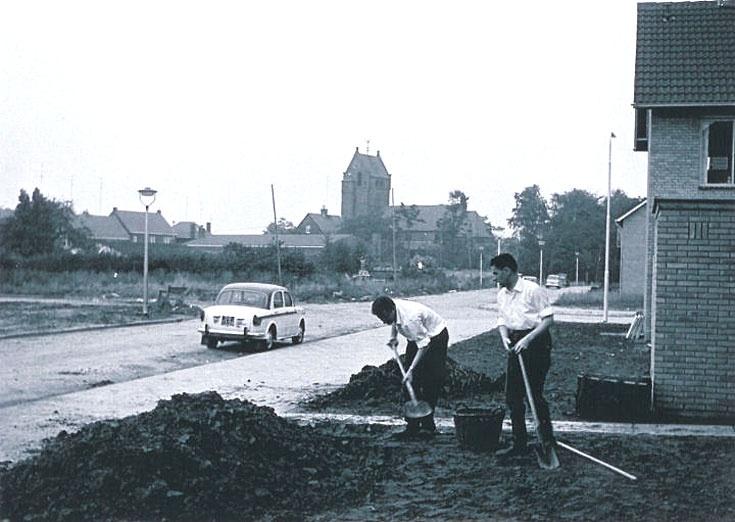 Bekerakker en O.L. Vrouw van Lourdeskerk - Vlokhoven