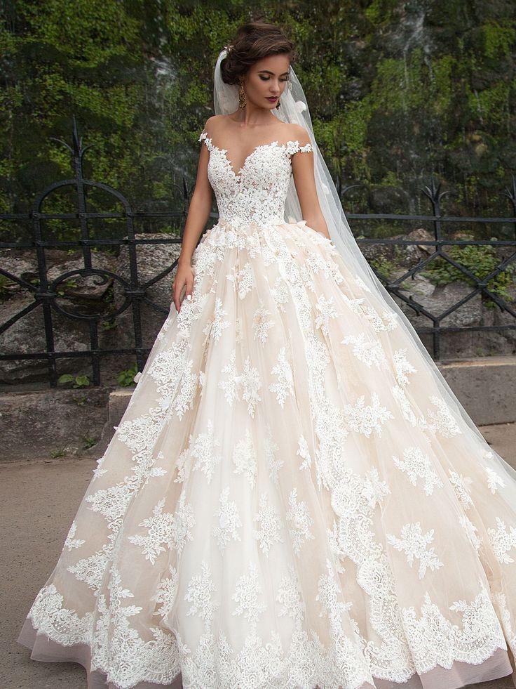 Пышное кружевное свадебное платье с открытой спиной Barbara Millanova 2016