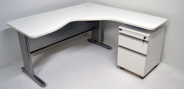 Ergonómico soportes MM -- Características: La principal característica de esta línea de escritorios es el diseño del tablero de trabajo.  Infórmate más sobre este mueble dándole clic a la imagen.