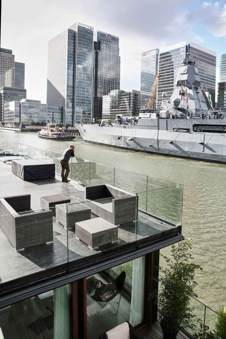 Floating home by Dirkmarine / House on Water Ltd. - concrete hull HUBB®