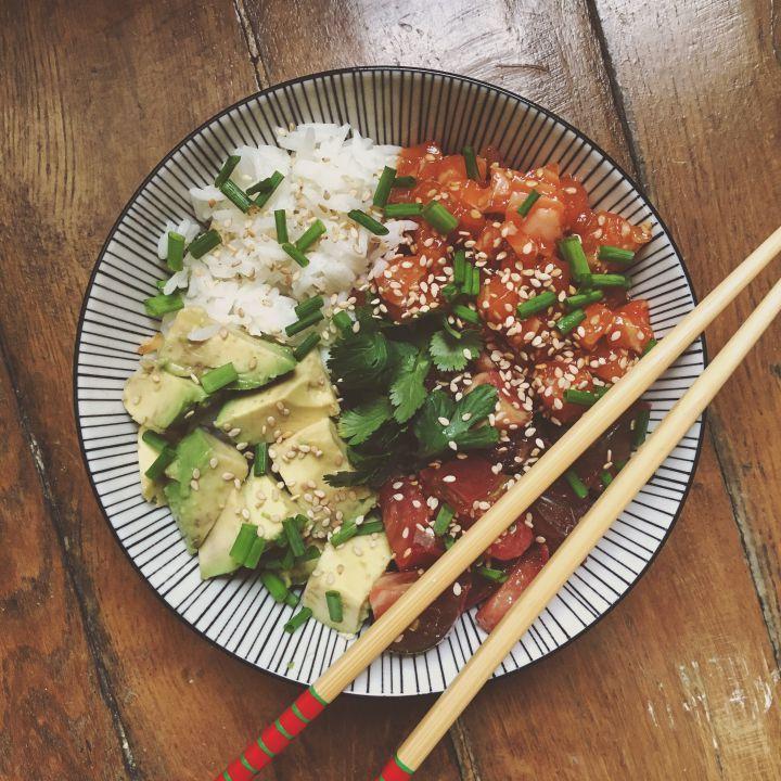 Les 25 meilleures ides de la catgorie Poke bowl sur Pinterest  Recette de salade de poisson