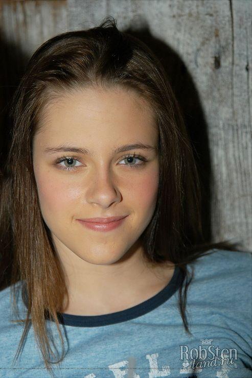 a very young Kristen Stewart