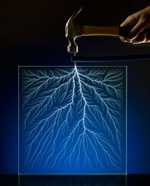 Trap Lightning in a Block by popsci: How Lichtenberg figures are made. #LIghtning #Lichtenberg_Figures